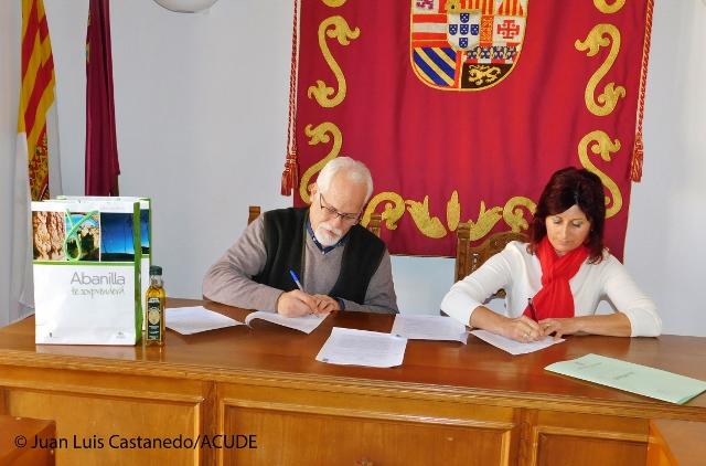 CONVENIO ENTRE EL AYUNTAMIENTO DE ABANILLA Y ACUDE